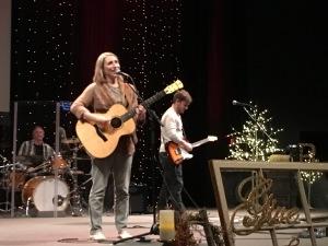 Laura Story (AMC Christmas concert)